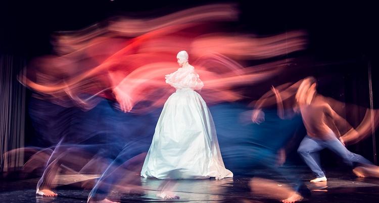 """Перформанс """"Vasen-Extasen"""" театра танца Karakuli // источник фото: © 4dance.by"""